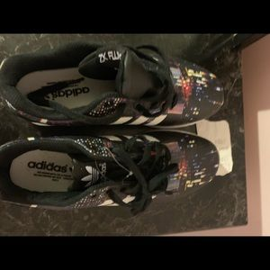 adidas shoes black torsion